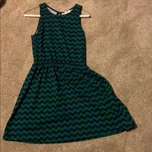 Dresses & Skirts - green and black chevron dress!